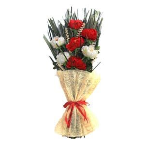 Gifting Floral bunch with Red Flowers Dried Botancials and Leaves...
