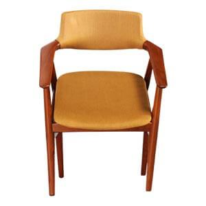 Kitchen Chairs with Arms in Classy Mid-century Design