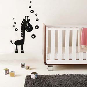 Birds and Animals Inspired Baby Giraffe with Bubbles Wall Decal